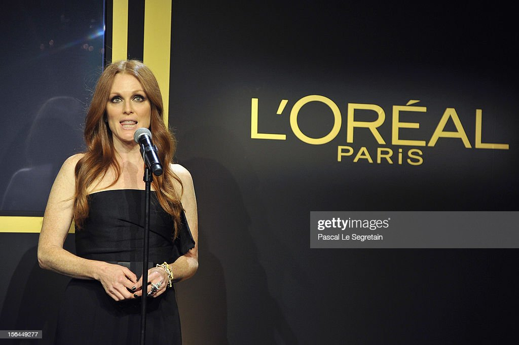 Julianne Moore gives a speech during the l'Oreal new egerie presentation at Hotel D'Evreux on November 15, 2012 in Paris, France.