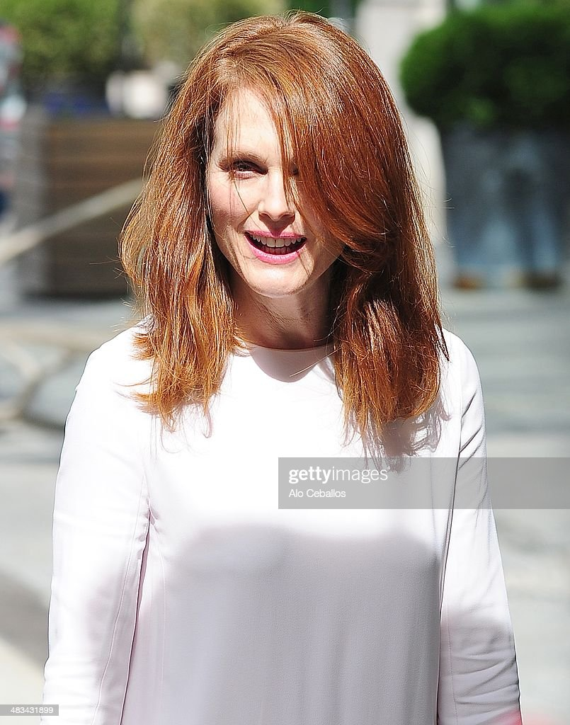 <a gi-track='captionPersonalityLinkClicked' href=/galleries/search?phrase=Julianne+Moore&family=editorial&specificpeople=171555 ng-click='$event.stopPropagation()'>Julianne Moore</a> is seen in Soho on April 8, 2014 in New York City.