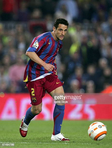 Juliano Belletti of Barcelona controls the ball during the Primera Liga match between Barcelona and Cadiz at the Camp Nou stadium on April 29 2006 in...