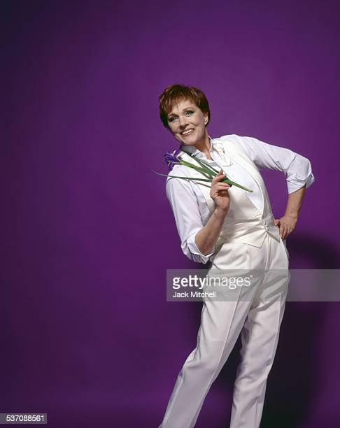 Julie Andrews in costume as 'Victor Victoria' on Broadway in 1995
