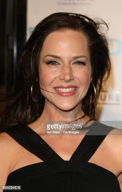 Julie Benz arrives at the premiere for Fool's Gold at the Grauman's Chinese Theatre Los Angeles
