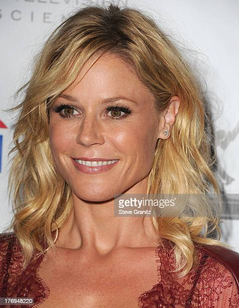 Julie Bowen arrives at the Academy Of Television Arts Sciences' Performers Peer Group Cocktail Reception To Celebrate The 65th Primetime Emmy Awards...