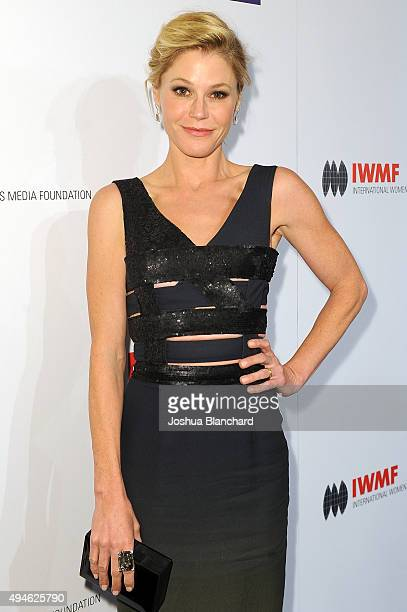 Julie Bowen arrives at the International Women's Media Foundation Courage Awards at the Beverly Wilshire Four Seasons Hotel on October 27 2015 in...