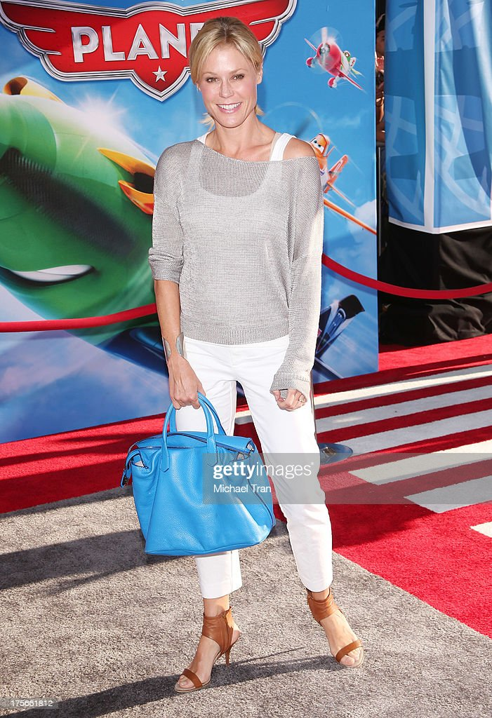 <a gi-track='captionPersonalityLinkClicked' href=/galleries/search?phrase=Julie+Bowen&family=editorial&specificpeople=244057 ng-click='$event.stopPropagation()'>Julie Bowen</a> arrives at the Los Angeles premiere of 'Planes' held at the El Capitan Theatre on August 5, 2013 in Hollywood, California.