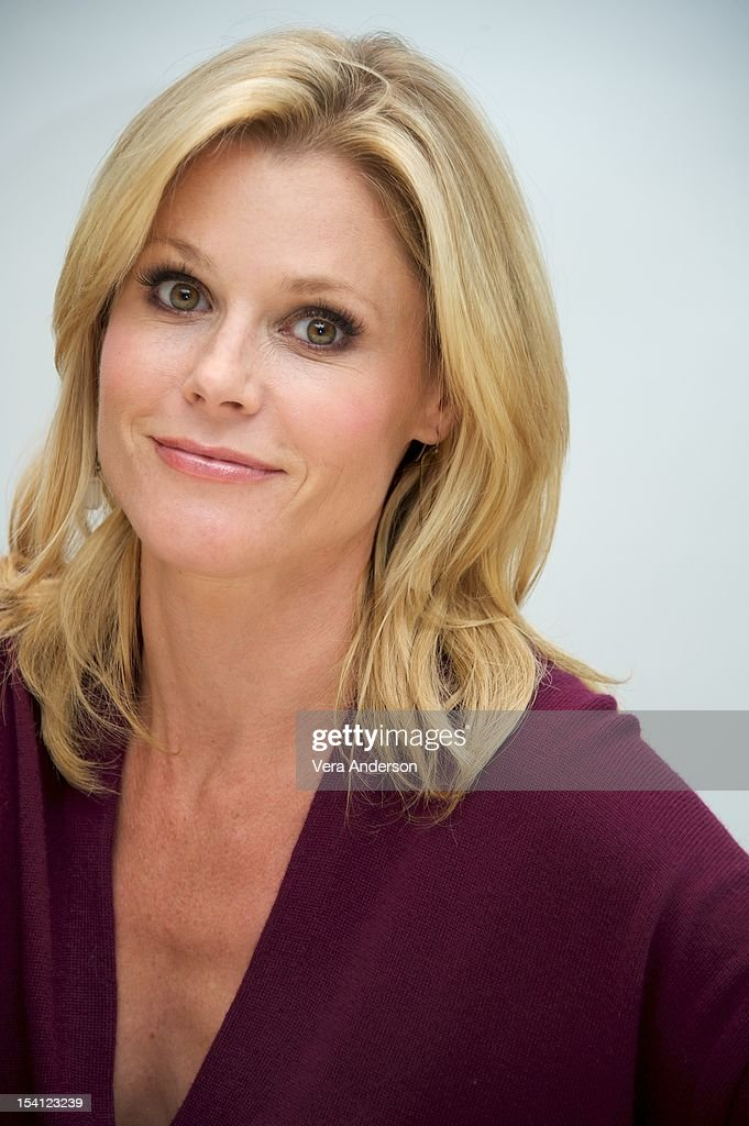 <a gi-track='captionPersonalityLinkClicked' href=/galleries/search?phrase=Julie+Bowen&family=editorial&specificpeople=244057 ng-click='$event.stopPropagation()'>Julie Bowen</a> at the 'Modern Family' Press Conference at the Four Seasons Hotel on October 11, 2012 in Beverly Hills, California.