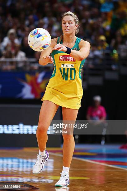 Julie Corletto of the Diamonds passes the ball during the 2015 Netball World Cup match between Australia and New Zealand at Allphones Arena on August...