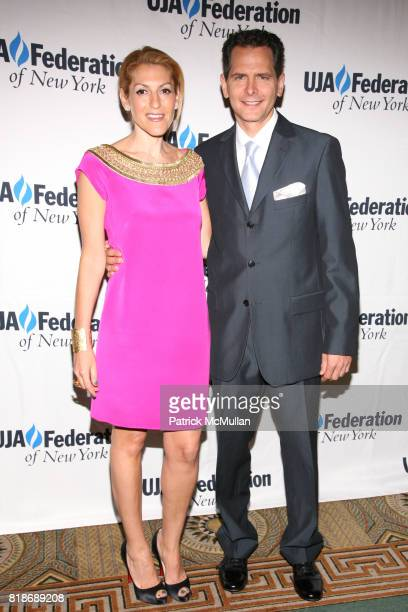Julie Greenwald and Craig Kallman attend UJAFEDERATION OF NEW YORK honors JULIE GREENWALD and CRAIG KALLMAN with The Music Visionary of the Year...