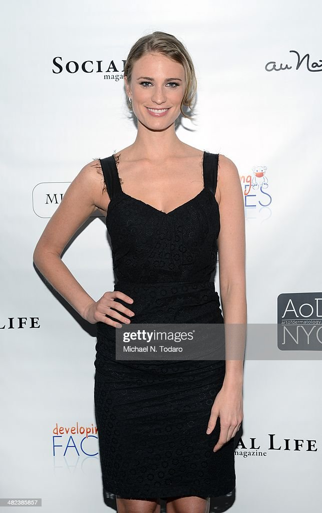 Julie Henderson attends Social Life Magazine's Heath & Beauty Event at Social Life Residence on April 3, 2014 in New York City.