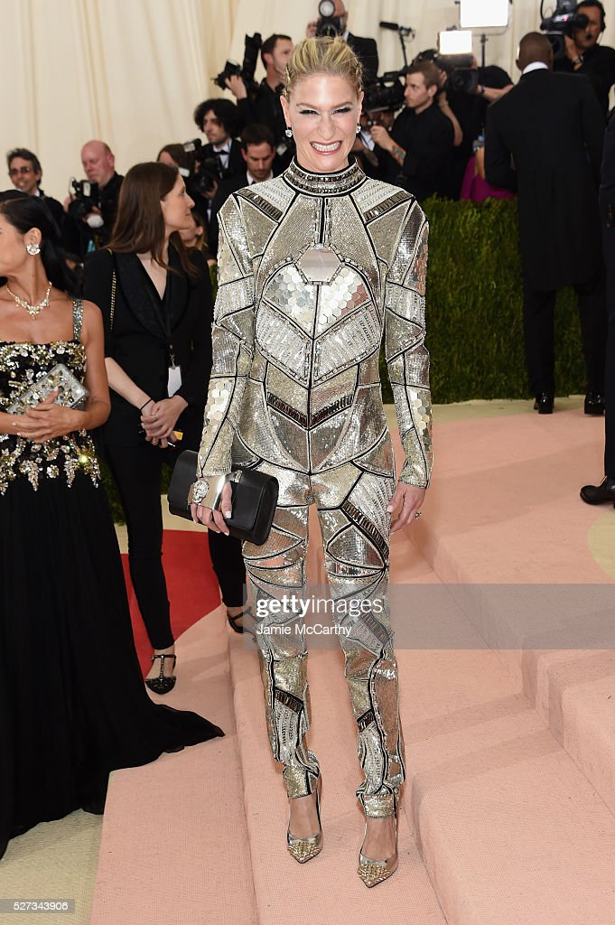 Julie Macklowe attends the 'Manus x Machina: Fashion In An Age Of Technology' Costume Institute Gala at Metropolitan Museum of Art on May 2, 2016 in New York City.