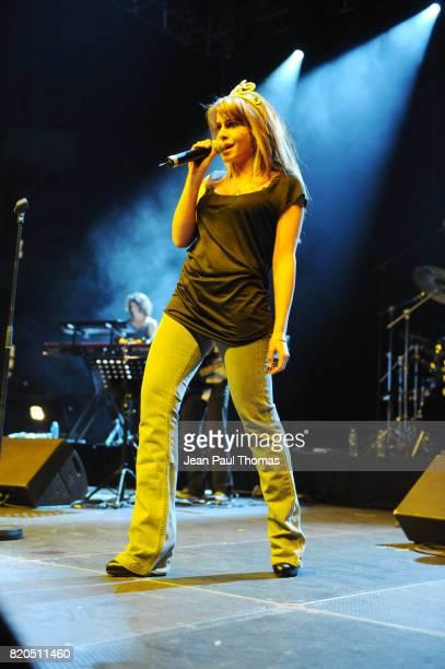 Julie ZENATTI Foot Concert 2009 Evenement caritatif reunissant stars du football et de la chanson au profit de l association Huntington Palais des...