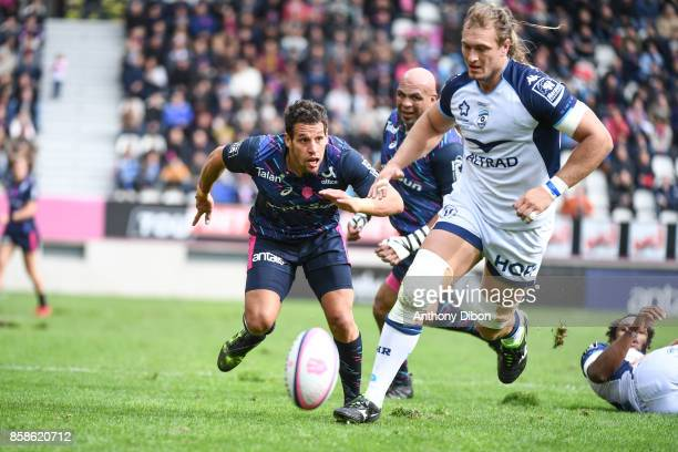 Julien Arias of Stade Francais and Jacques du Plessis of Montpellier during the Top 14 match between Stade Francais and Montpellier on October 7 2017...