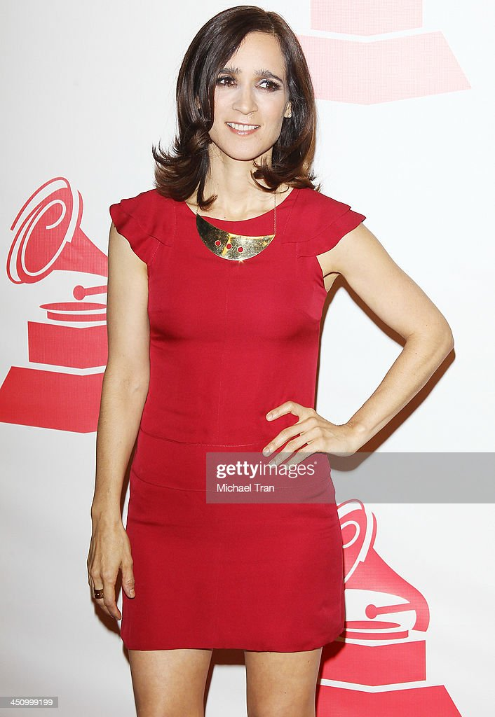 <a gi-track='captionPersonalityLinkClicked' href=/galleries/search?phrase=Julieta+Venegas&family=editorial&specificpeople=206826 ng-click='$event.stopPropagation()'>Julieta Venegas</a> arrives at the 2013 Latin Recording Academy Person of the Year honoring Miguel Bose held at Mandalay Bay Resort and Casino on November 20, 2013 in Las Vegas, Nevada.