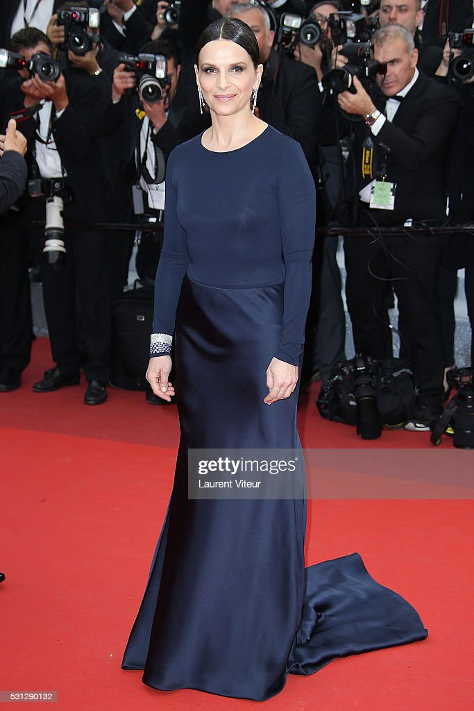 <a gi-track='captionPersonalityLinkClicked' href=/galleries/search?phrase=Juliette+Binoche&family=editorial&specificpeople=209273 ng-click='$event.stopPropagation()'>Juliette Binoche</a> attends the 'Slack Bay (Ma Loute)' premiere during the 69th annual Cannes Film Festival at the Palais des Festivals on May 13, 2016 in Cannes, .