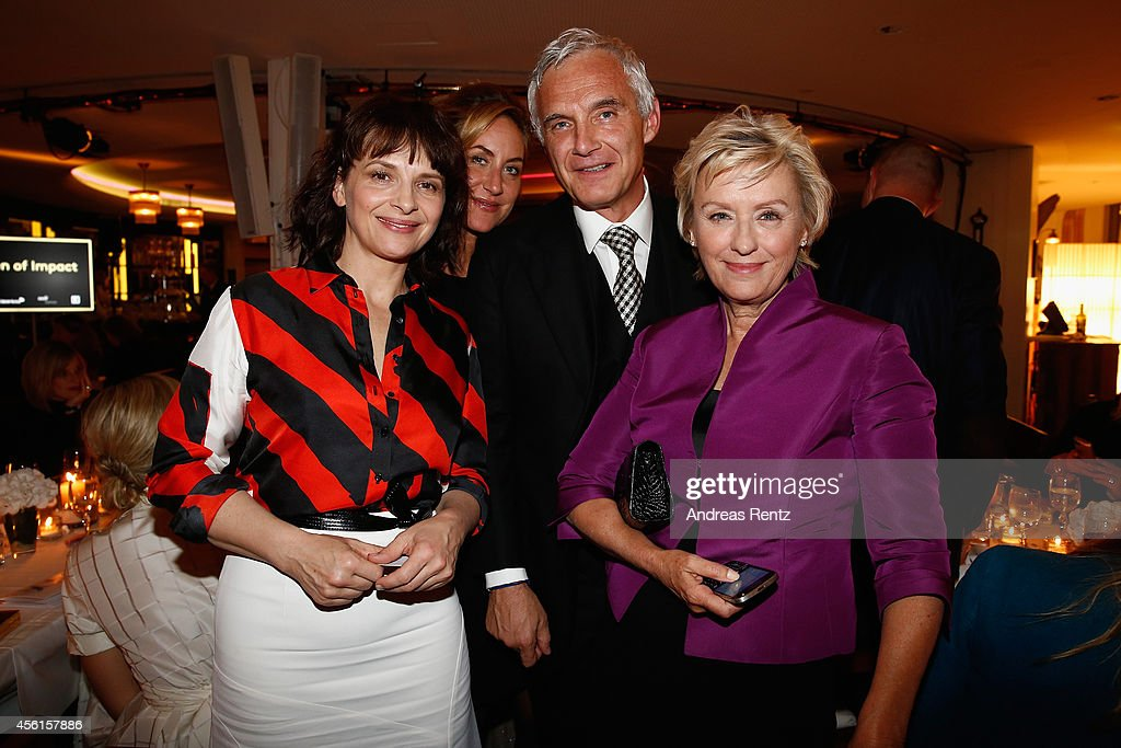 Juliette Binoche Carolina MuellerMoehl Urs Rohner and Tina Brownl attend the Women of Impact Reception during Day 2 of Zurich Film Festival 2014 on...