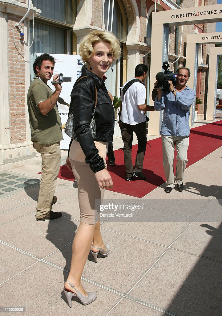 Juliette Binoche during The 63rd International Venice Film Festival Juliette Binoche Sighting September 2 2006 in Venice Lido Italy
