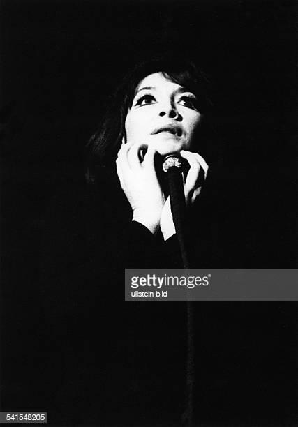 Juliette Greco singer actress France 1960s