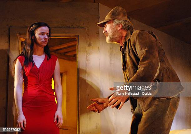 Juliette Lewis and Larry Lamb attend a photocall for Fool For Love at The Apollo TheatreLondonUKLondonUK