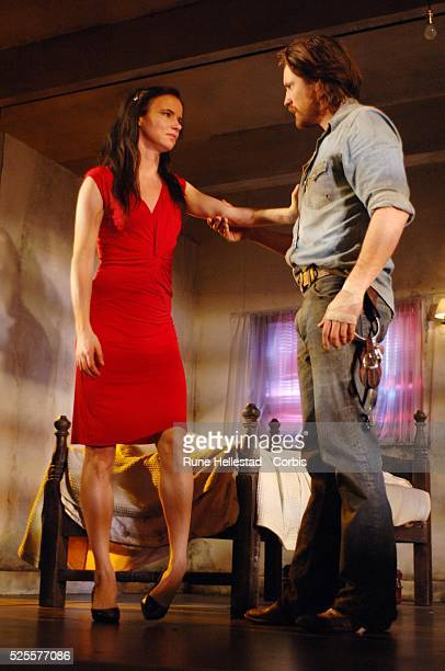 Juliette Lewis and Martin Henderson attend a photocall for Fool For Love at The Apollo TheatreLondonUKLondonUK