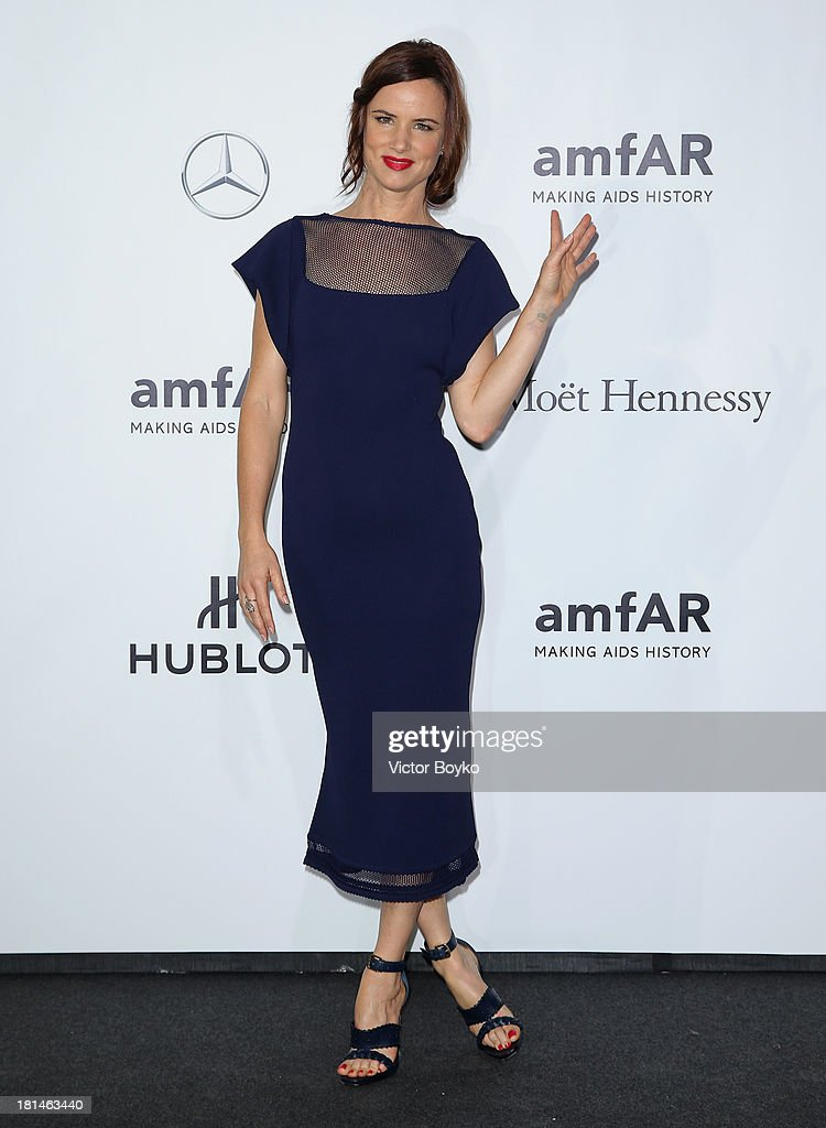<a gi-track='captionPersonalityLinkClicked' href=/galleries/search?phrase=Juliette+Lewis&family=editorial&specificpeople=202873 ng-click='$event.stopPropagation()'>Juliette Lewis</a> attends the amfAR Milano 2013 Gala as part of Milan Fashion Week Womenswear Spring/Summer 2014 at La Permanente on September 21, 2013 in Milan, Italy.