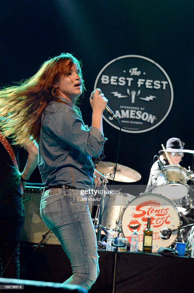 <a gi-track='captionPersonalityLinkClicked' href=/galleries/search?phrase=Juliette+Lewis&family=editorial&specificpeople=202873 ng-click='$event.stopPropagation()'>Juliette Lewis</a> performs at Henry Fonda Theater on May 30, 2013 in Hollywood, California.