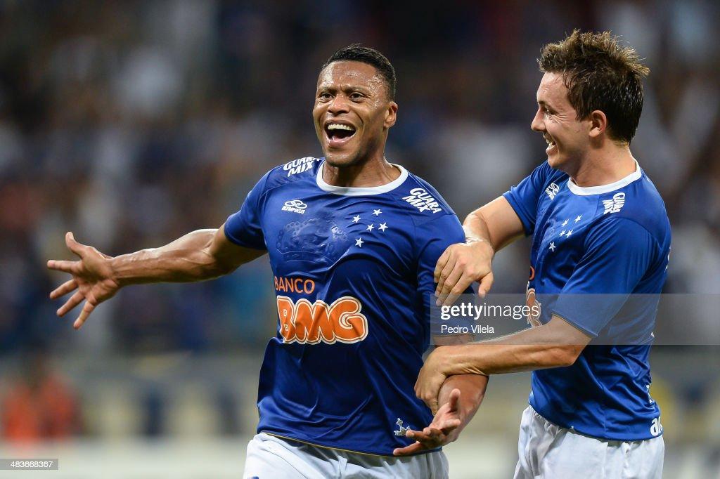 Cruzeiro v Real Garcilaso - Copa Bridgestone Libertadores 2014