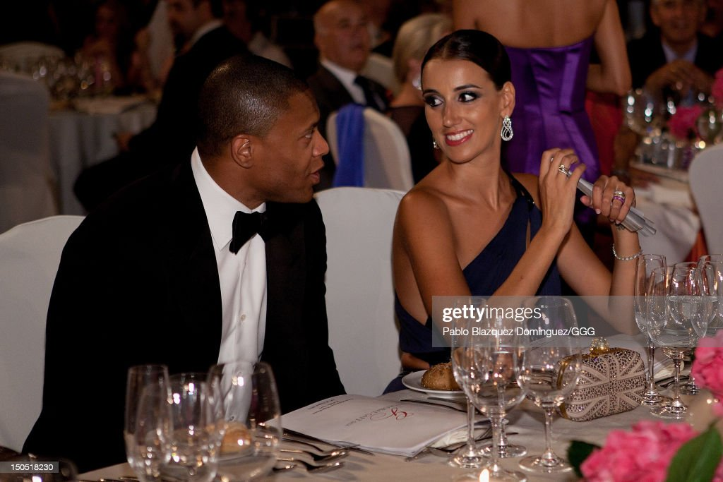 <a gi-track='captionPersonalityLinkClicked' href=/galleries/search?phrase=Julio+Baptista&family=editorial&specificpeople=645978 ng-click='$event.stopPropagation()'>Julio Baptista</a> (L) and Silvia Nistal (R) chat during the Global Gift Gala held to raise benefits for Cesare Scariolo Foundation and Eva Longoria Foundation on August 19, 2012 in Marbella, Spain.