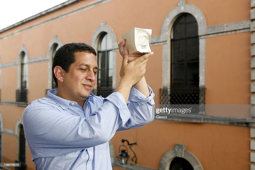 Julio Hernandez Cordon poses with his Eye award during the 8th Morelia International Film Festival on October 23, 2010 in Morelia, Mexico.