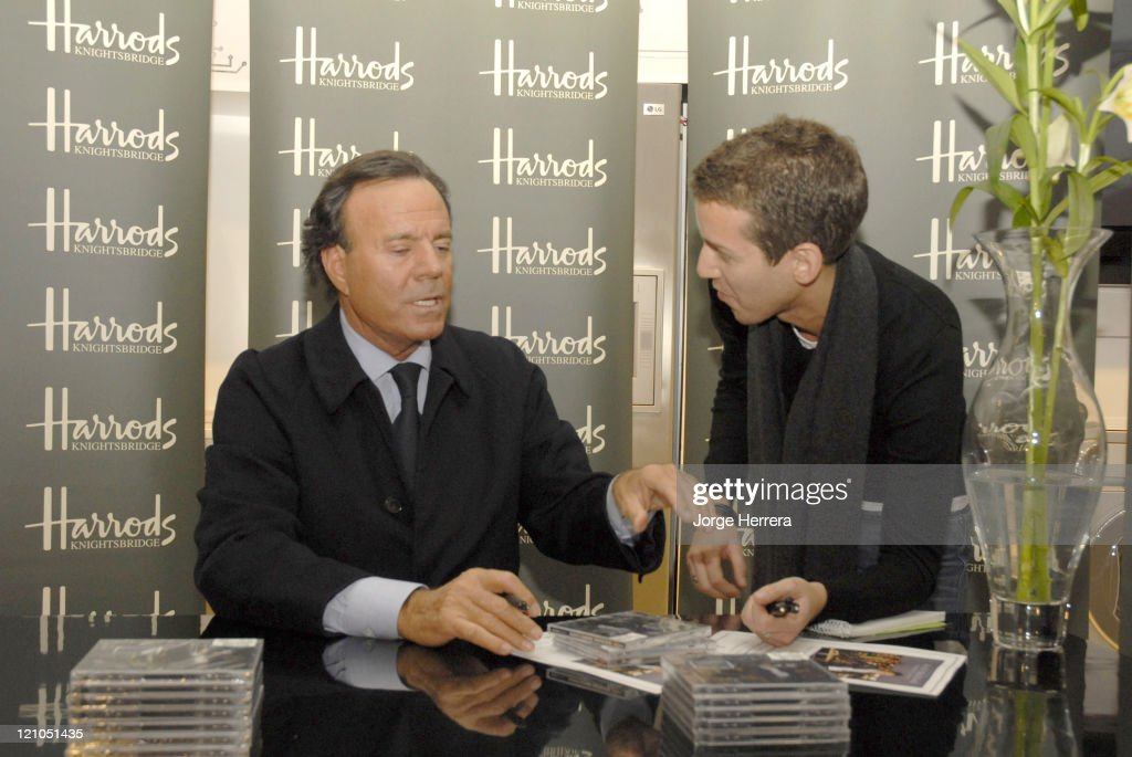 Julio Iglesias - Photocall and Signing Session at Harrods - November 15, 2006