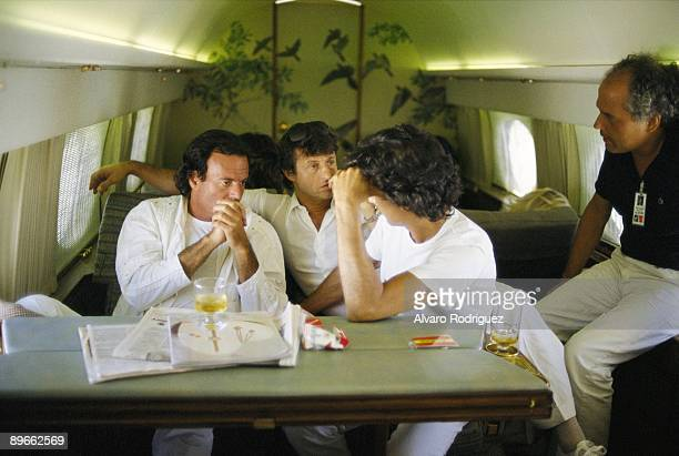 Julio Iglesias and Tony Remis In the singer´s private plane