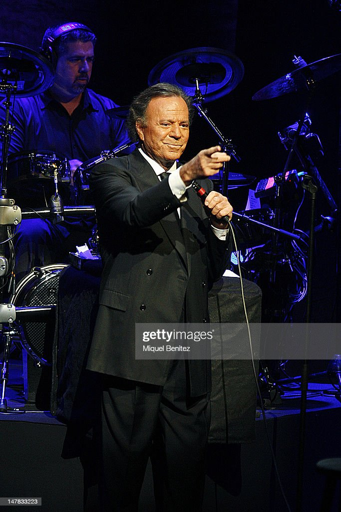 <a gi-track='captionPersonalityLinkClicked' href=/galleries/search?phrase=Julio+Iglesias&family=editorial&specificpeople=218023 ng-click='$event.stopPropagation()'>Julio Iglesias</a> performs '<a gi-track='captionPersonalityLinkClicked' href=/galleries/search?phrase=Julio+Iglesias&family=editorial&specificpeople=218023 ng-click='$event.stopPropagation()'>Julio Iglesias</a> In Concert At Gran Teatre del Liceu' In Barcelona on July 4, 2012 in Barcelona, Spain.