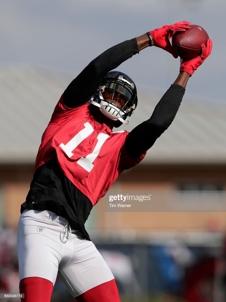 Julio Jones #11 of the Atlanta Falcons catches a pass during a Super Bowl LI practice session on February 1, 2017 in Houston, Texas.
