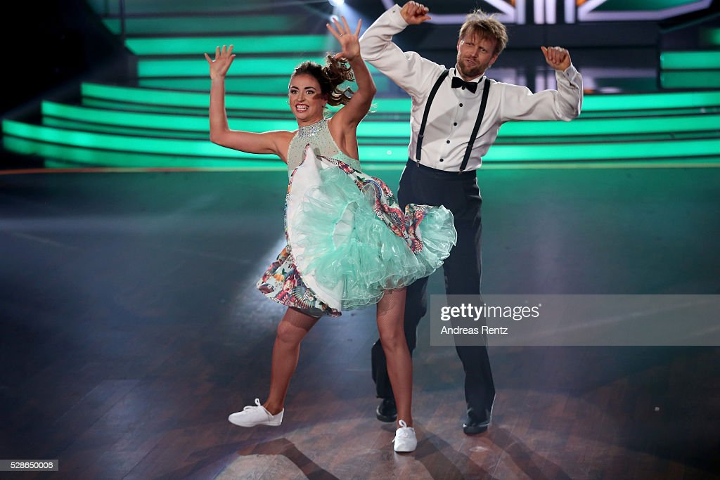 Julius Brink and Ekaterina Leonova perform on stage during the 8th show of the television competition 'Let's Dance' on May 6, 2016 in Cologne, Germany.
