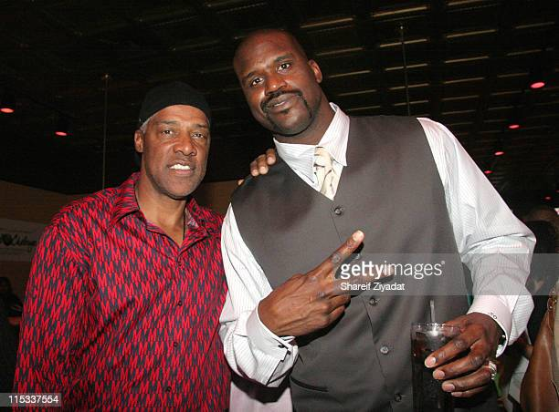 Julius Erving and Shaquille O'Neal during Boost Mobile Presents ZO and Magic's 8 Ball Challenge Celebrity Pool Tournament at Jillians in Houston...