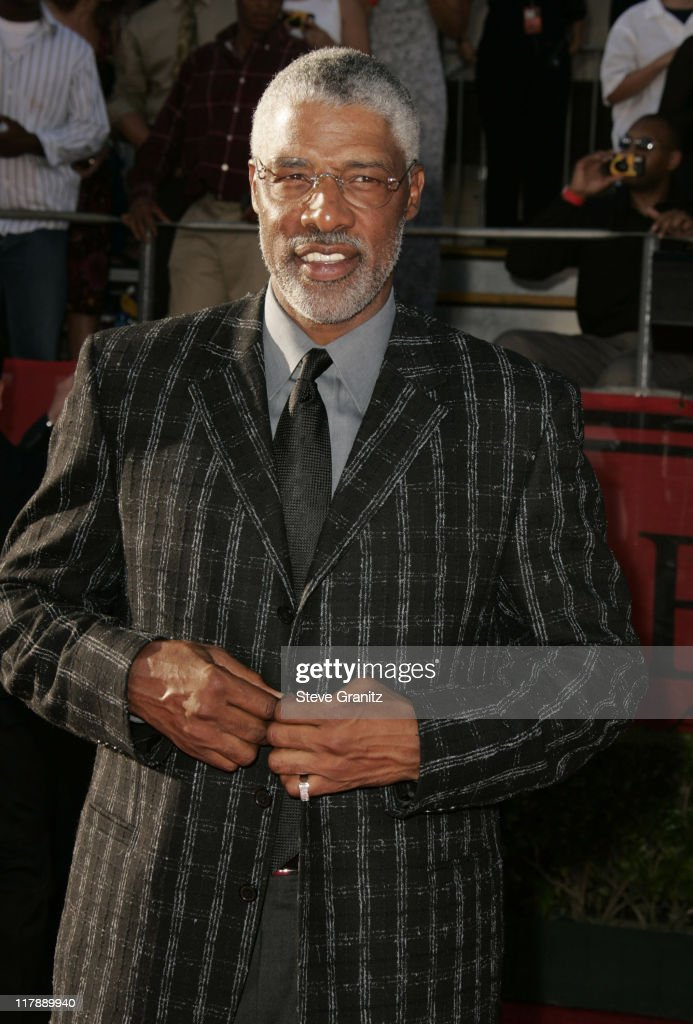 <a gi-track='captionPersonalityLinkClicked' href=/galleries/search?phrase=Julius+Erving&family=editorial&specificpeople=202966 ng-click='$event.stopPropagation()'>Julius Erving</a> during 2004 ESPY Awards - Arrivals at Kodak Theatre in Hollywood, California, United States.