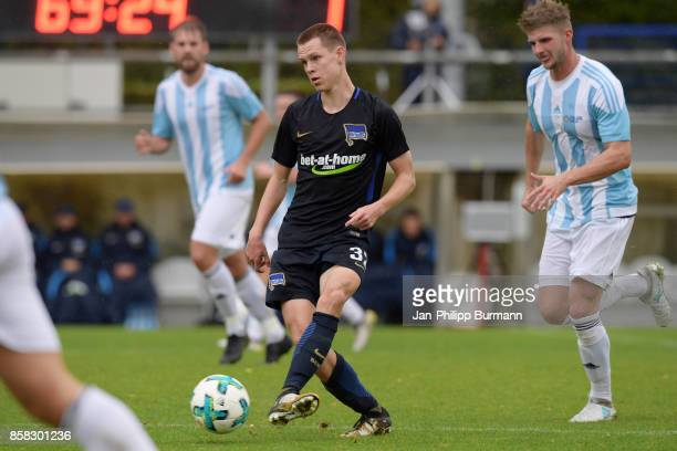 Julius Kade of Hertha BSC and Nick Przesang of the Polizeiauswahl during the test match between Hertha BSC and the Polizeiauswahl on october 6 2017...