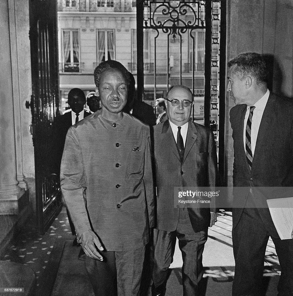 <a gi-track='captionPersonalityLinkClicked' href=/galleries/search?phrase=Julius+Nyerere&family=editorial&specificpeople=228294 ng-click='$event.stopPropagation()'>Julius Nyerere</a>, President of Tanzania, arrives at the National Committee of French Management, greeted by one of its members Luc Durand-Reville (right) on June 29, 1965 in Paris, France.