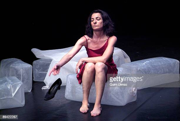 July 06 2006 Madrid Dress rehearsal in Pradillo Theater of 'Sola Mente Piel' a spectacle of dance created and interpreted by Simona Quartucci and the...