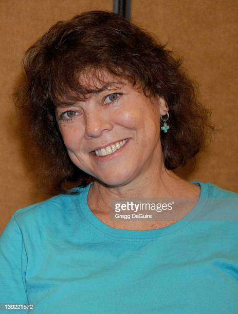 July 18 2009 Burbank Ca Erin Moran The Hollywood Collectors Celebrities Show Held at the Burbank Airport Marriott Hotel Convention Center