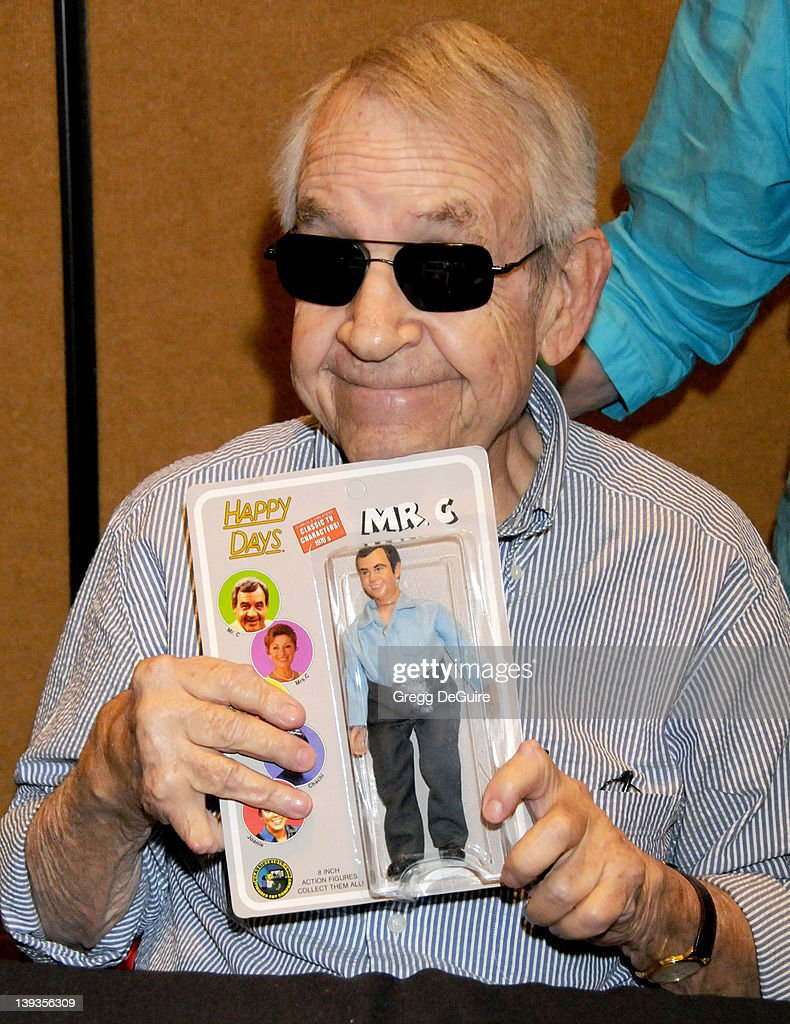 July 18 2009 Burbank Ca Tom Bosley The Hollywood Collectors Celebrities Show Held at the Burbank Airport Marriott Hotel Convention Center