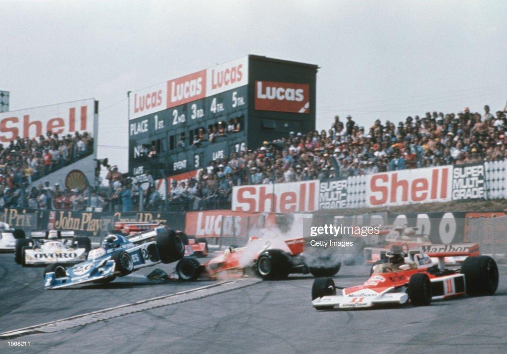 july-1976-mclaren-ford-driver-james-hunt