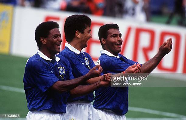 09 July 1994 World Cup 1994 Brazil v Holland Mazinho Bebeto and Romario's 'rock the baby' celebration