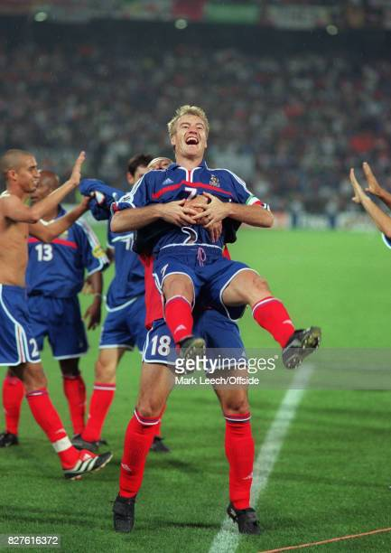 02 July 2000 European Football Championships Final France v ItalyFrench captain Didier Deschamps is lifted in celebrationPhoto Mark Leech