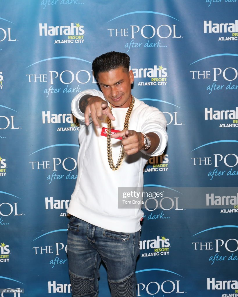 DJ Pauly D & Lloyd Banks Perform At The Pool After Dark