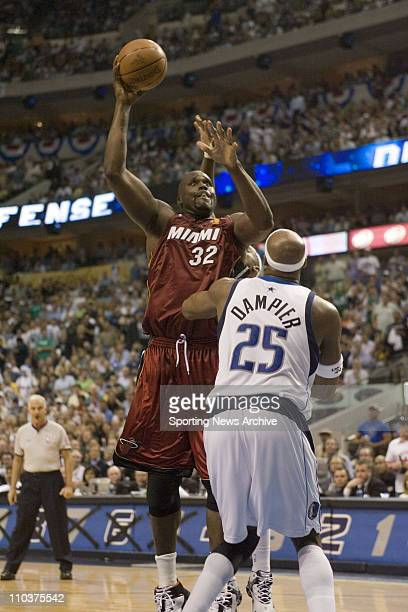 Jun 08 2006 Dallas TX USA NBA BASKETBALL The Miami Heat Shaquille O'Neal against the Dallas Mavericks Erick Dampier during game one of the 2006 NBA...