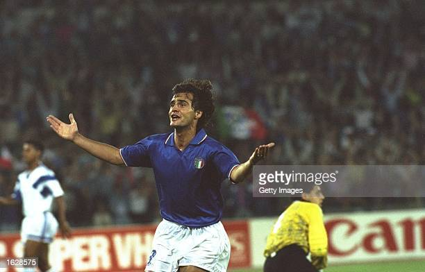 Giuseppe Giannini of Italy scores during the World Cup match against the USA in Rome Italy won the match 10 Mandatory Credit Allsport UK /Allsport