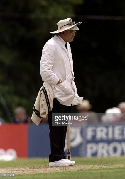 Umpire Dickie Bird stands by the wicket during the Vodafone Challenge tour match between Sussex and South Africa in Arundel England Mandatory Credit...