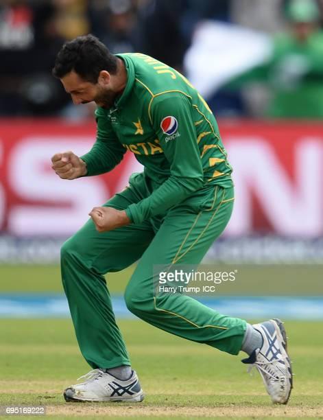 Junaid Khan of Pakistan celebrates after dismissing Thisara Perera of Sri Lanka during the ICC Champions Trophy match between Sri Lanka and Pakistan...