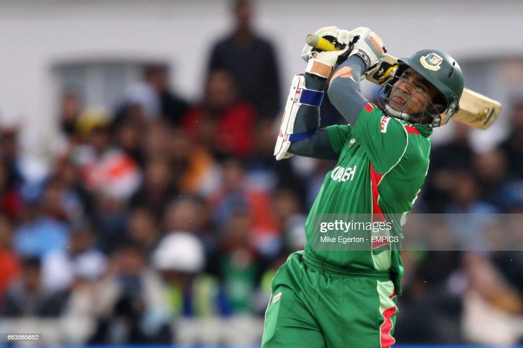 Cricket - ICC World Twenty20 Cup 2009 - Group D - Bangladesh v India - Trent Bridge : News Photo
