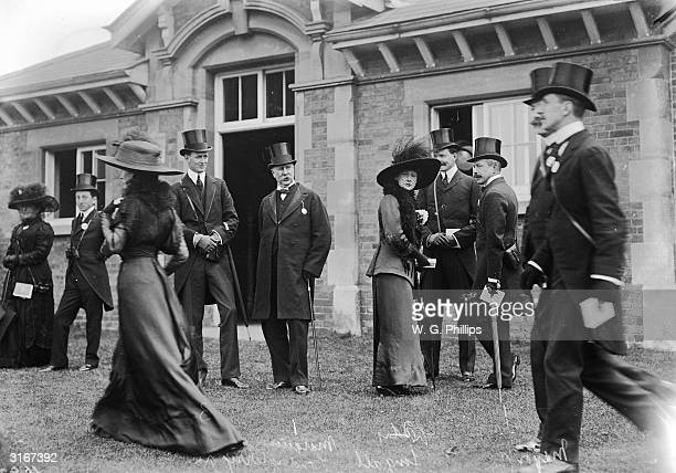 Lady Fingall Lord Ilchester Lord Londonderry Major Cox and Mrs Boyd Rochford at Black Ascot