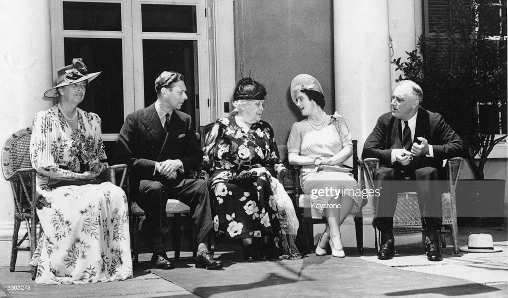 King George VI of Great Britain (1895 - 1952) and Queen Elizabeth (right) in New York with President Franklin Delano Roosevelt (1882 - 1945), his wife, social activist Eleanor Roosevelt (1884 - 1962) (left) and his mother, Sarah Roosevelt (centre).
